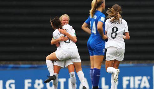 Nueva Zelanda próximo rival de Uruguay ganó en el debut