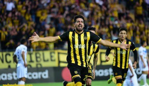 Libertadores: Peñarol ganó y se prendió en el grupo de la copa